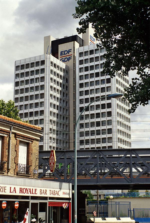 La Tour EDF dans les années 90 depuis la rue Bara